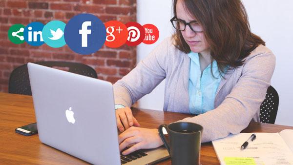 Manejas o manejamos tus redes sociales.